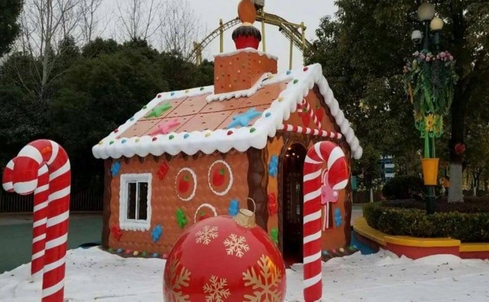 Allestimento Villaggio Di Babbo Natale.Mercatini Di Natale E Il Villaggio Di Babbo Natale In Villa Nuova A Cosenza